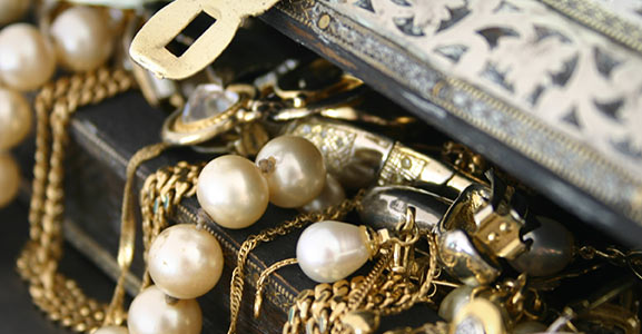 Sell platinum, silver and gold jewelry